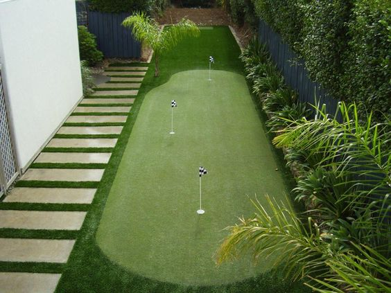 Synthetic putting greens for the whole family